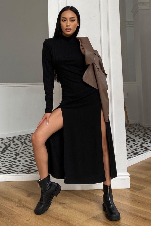 Трикотажна сукня в рубчик чорна | 50752